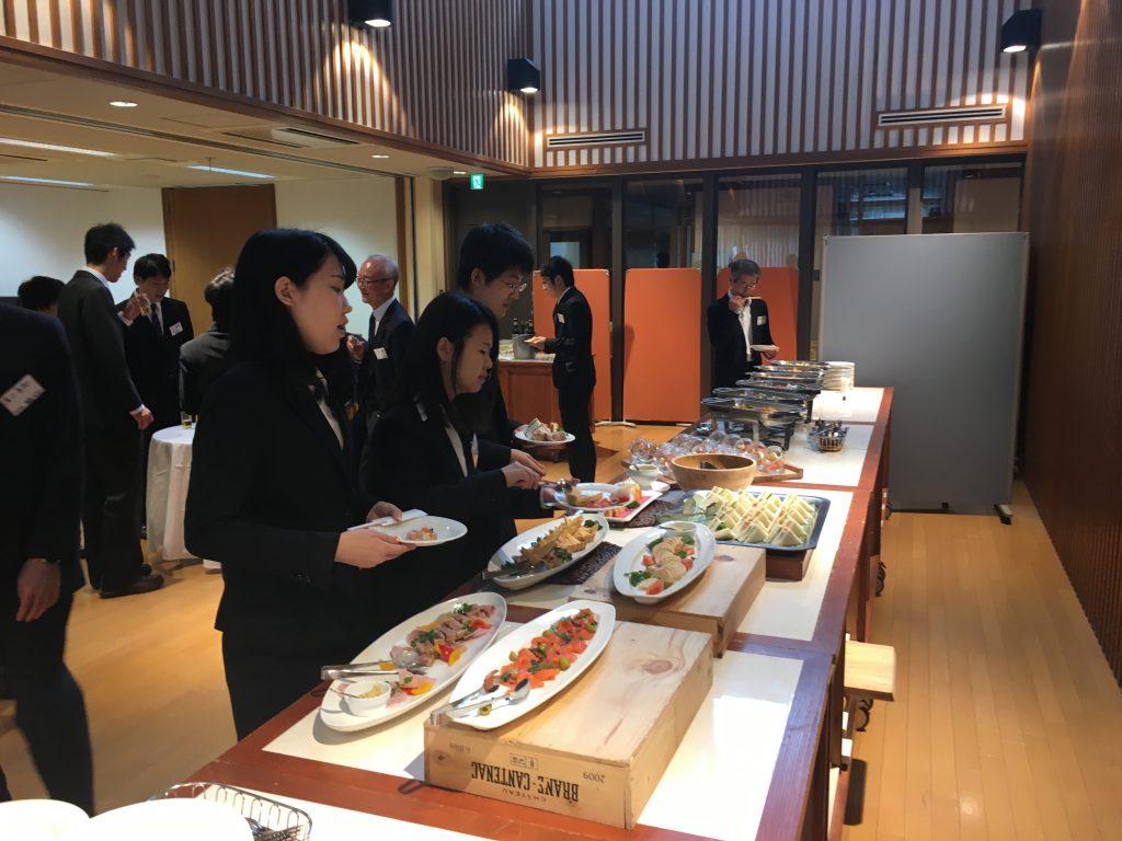 6_会食風景